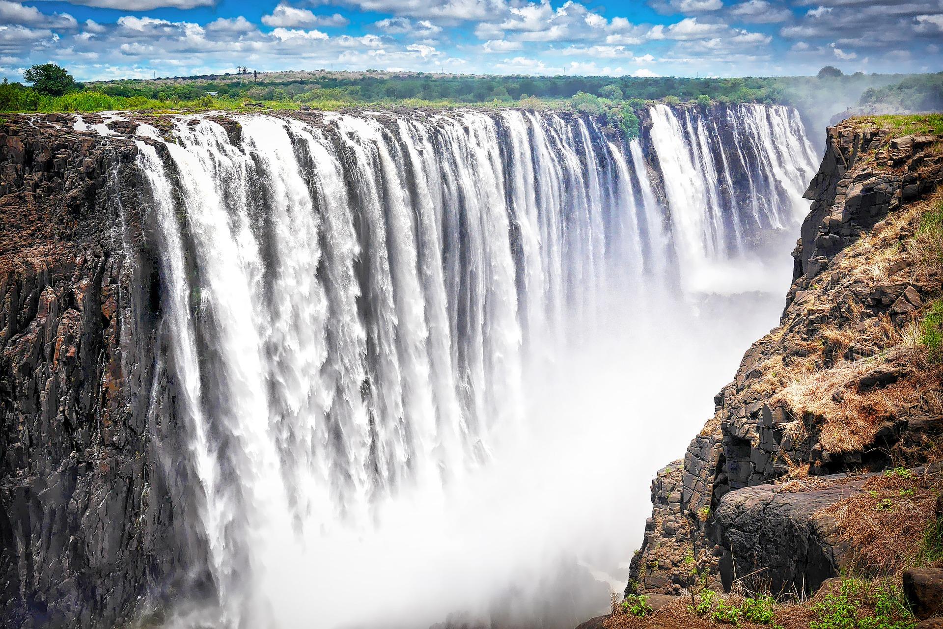 https://www.safariventures.com/wp-content/uploads/2019/01/africa-2960532_1920.jpg
