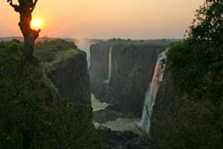 https://www.safariventures.com/wp-content/uploads/2019/01/sunset-view-at-victoria-falls-320x214.jpg
