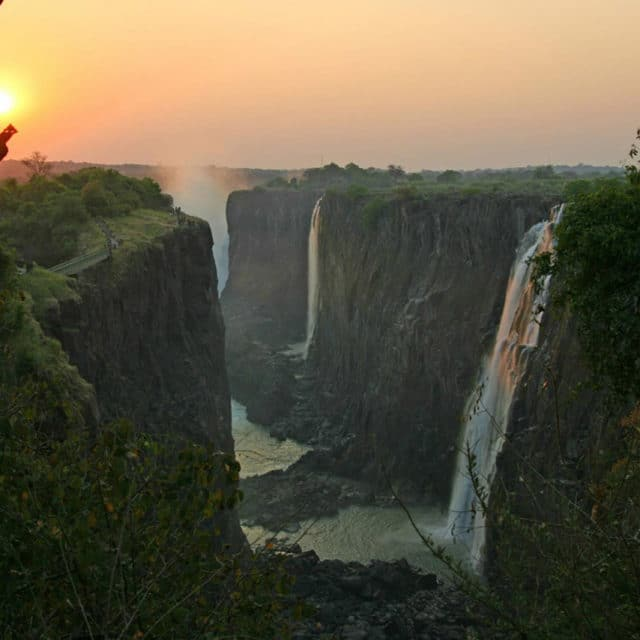 https://www.safariventures.com/wp-content/uploads/2019/01/sunset-view-at-victoria-falls-640x640.jpg