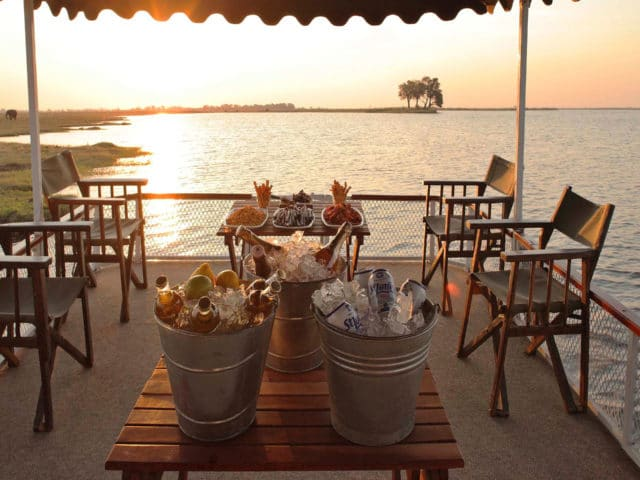 https://www.safariventures.com/wp-content/uploads/2019/02/Chobe_under_canvas_Boating2-640x480.jpg