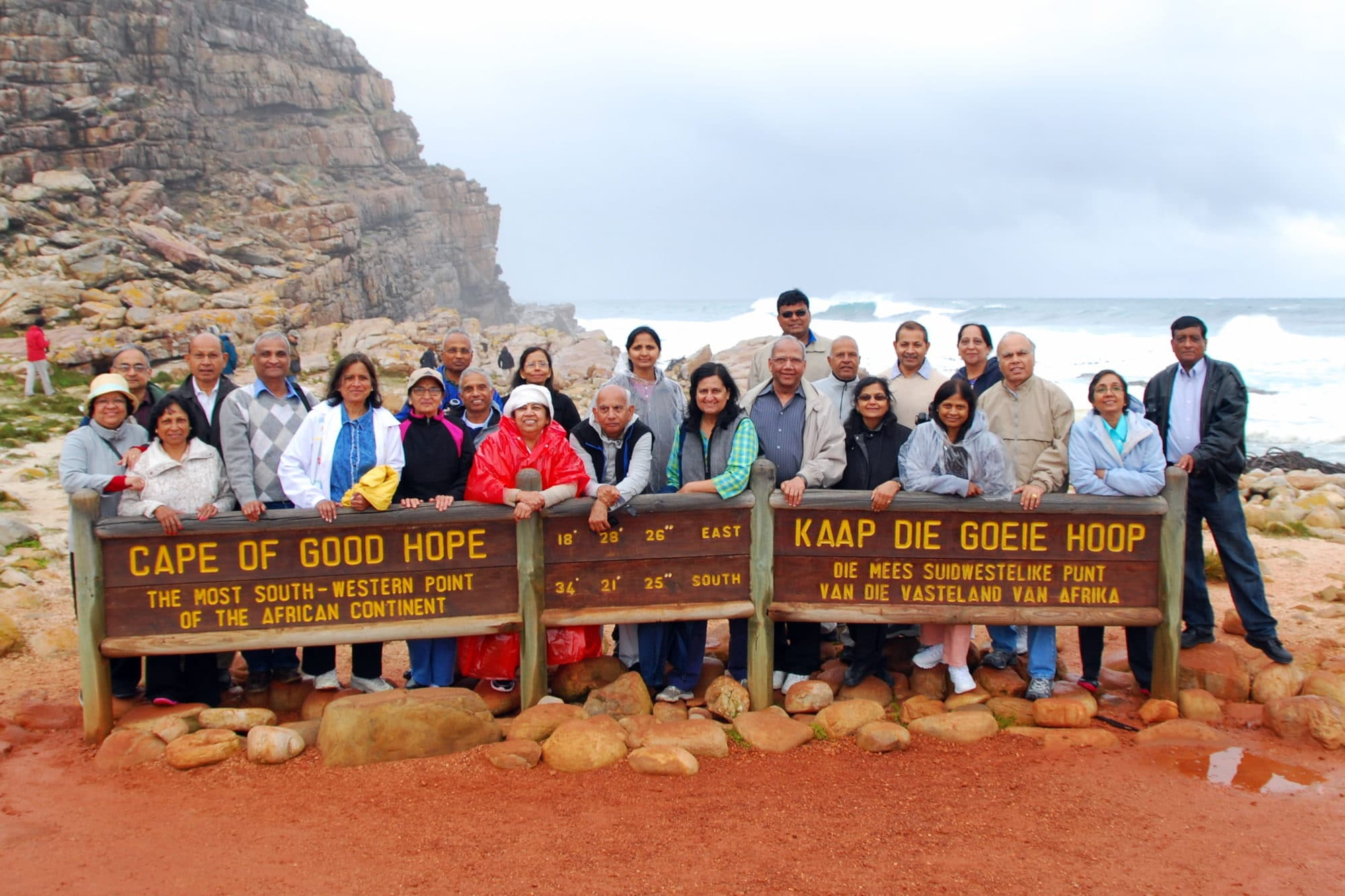 Friends group picture in from of cape of good hope